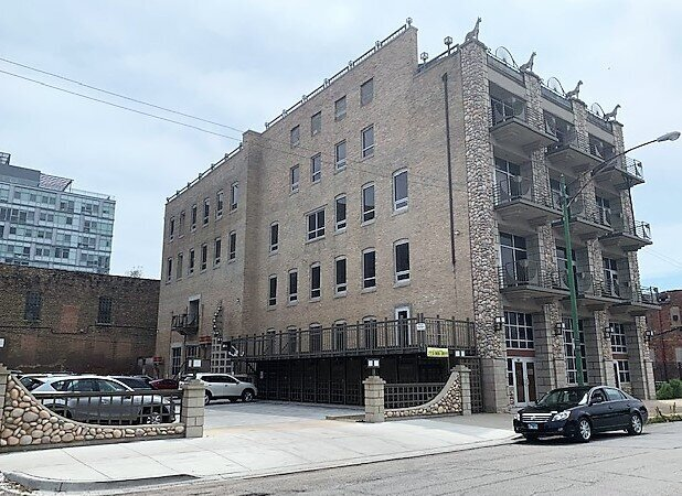 Office/Residential Building - Location: Chicago, ILPrice: $15,000,000Comments: Fulton Market .. building 30K SF