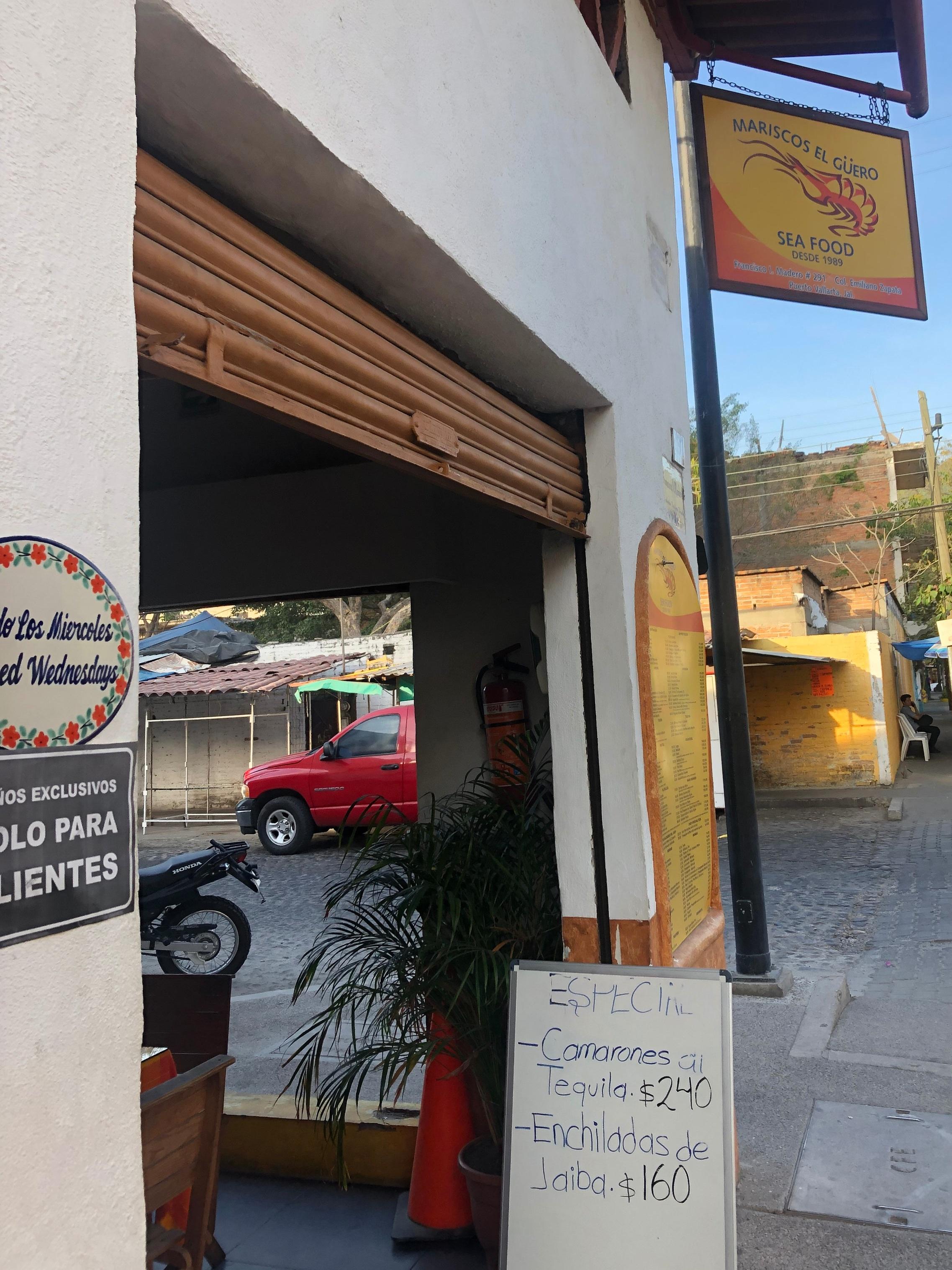 Photo: Mariscos El Güero Store Front