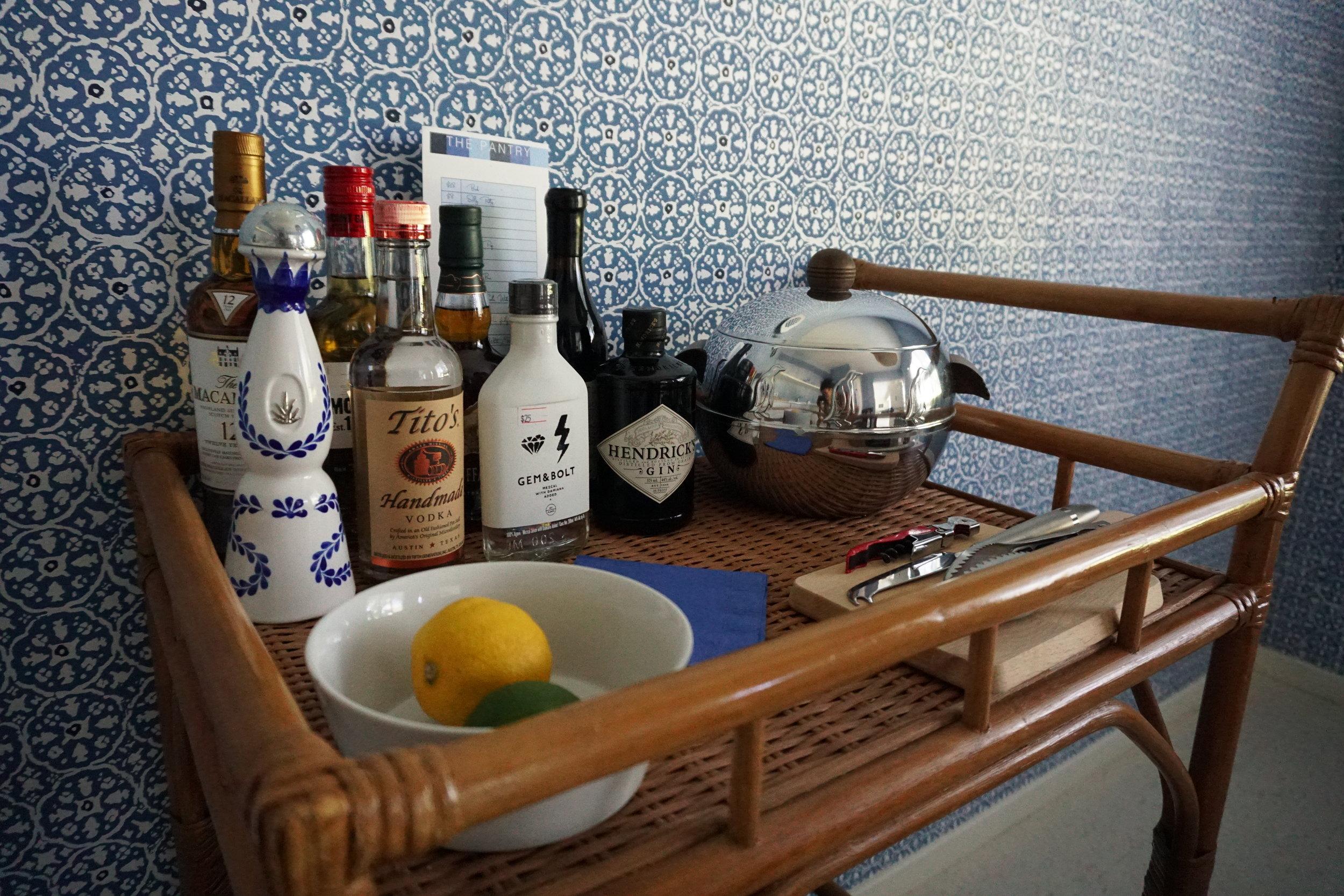 Photo: Mini Bar Holiday House Hotel Room