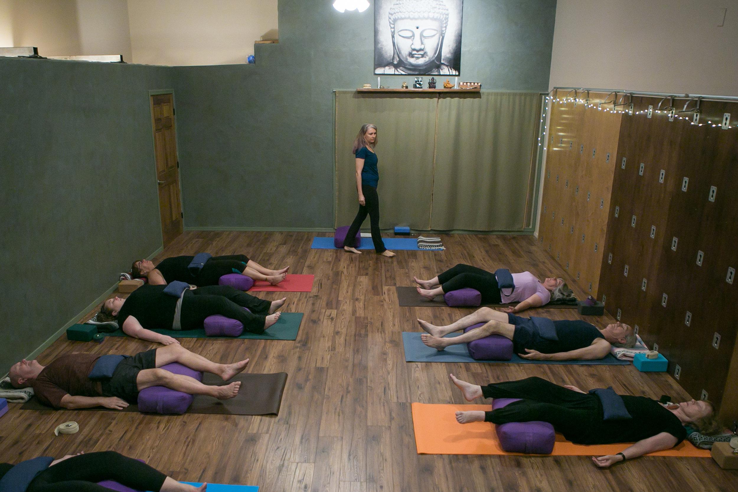 10-30-18_WIDE_LyndiRivers_Yoga_KathleenDreierPhotography_IMG_0022.jpg