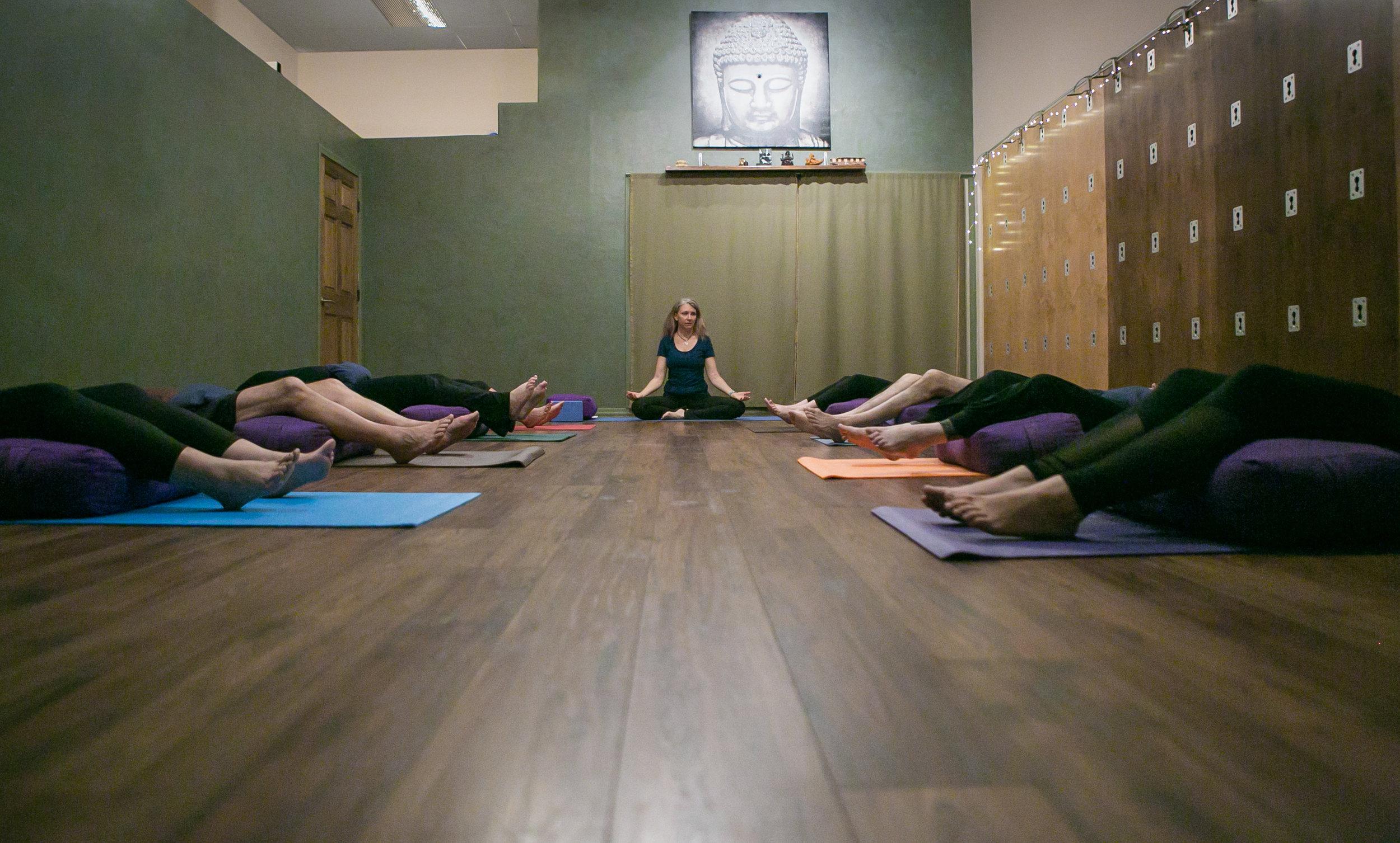 10-30-18_WIDE_LyndiRivers_Yoga_KathleenDreierPhotography_IMG_0220.jpg