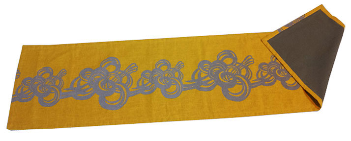 Air table runner, 72 x16 inches