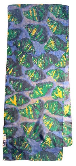 Croissant scarf greens