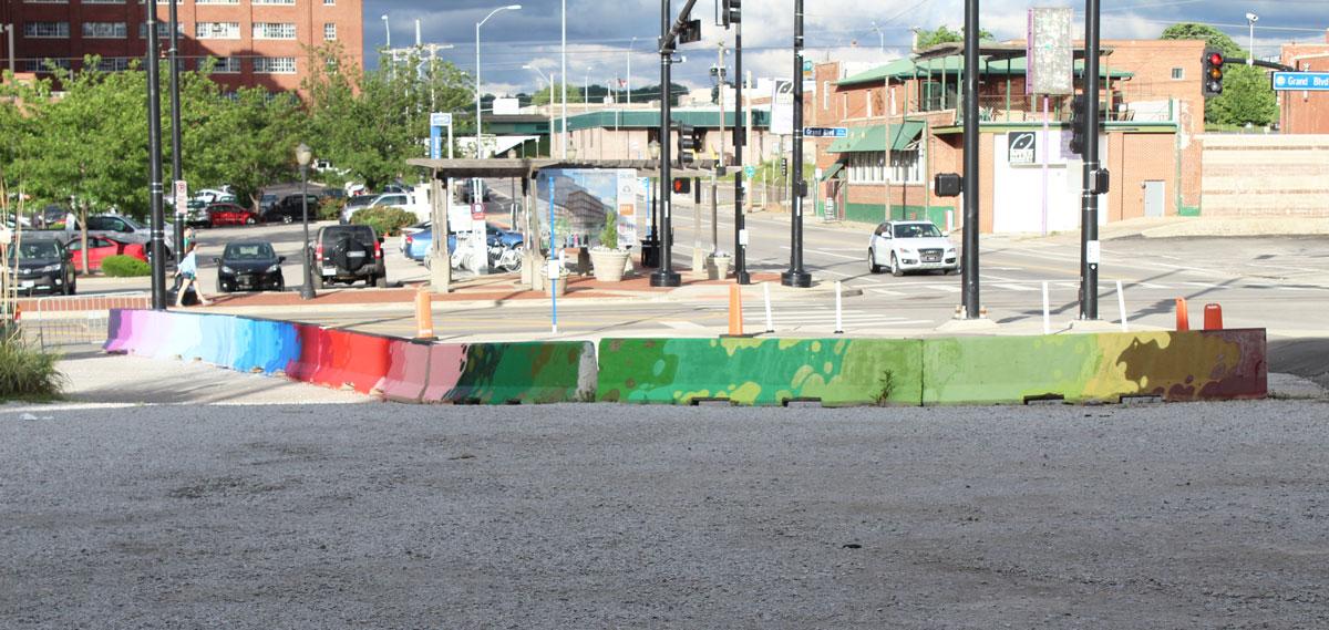 barrier-mural-2_2017.jpg