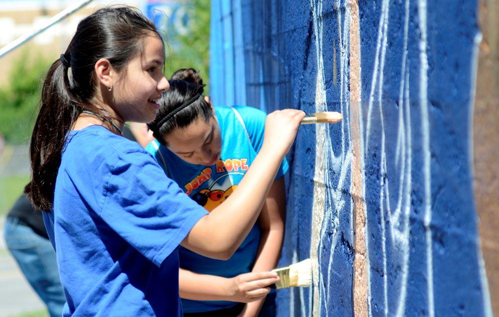 girls painting.jpg