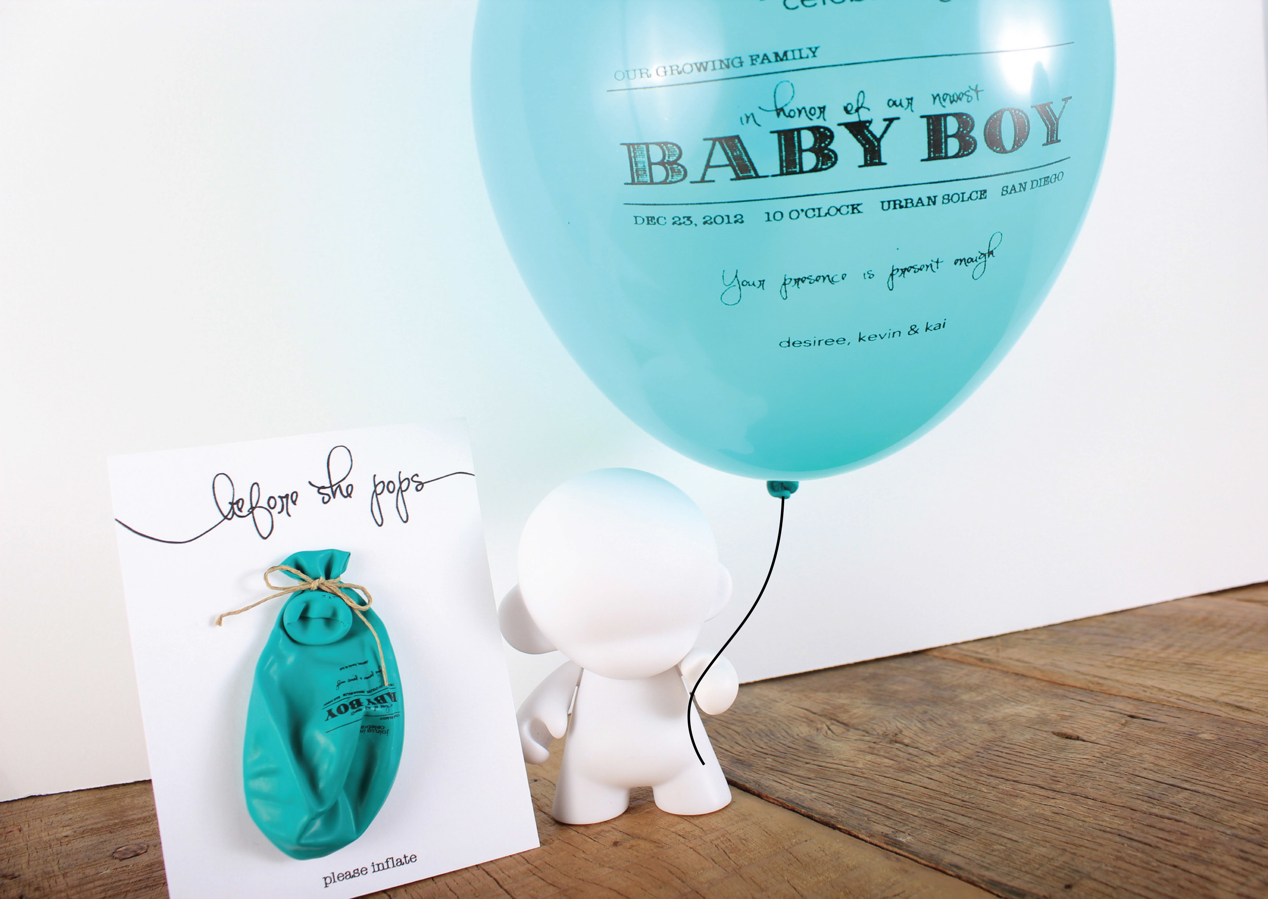 Robot holding Balloon Invite-01.jpg