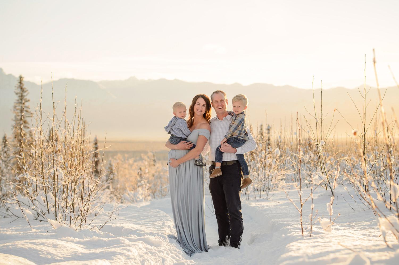 Best-maternity-photographer-alaska