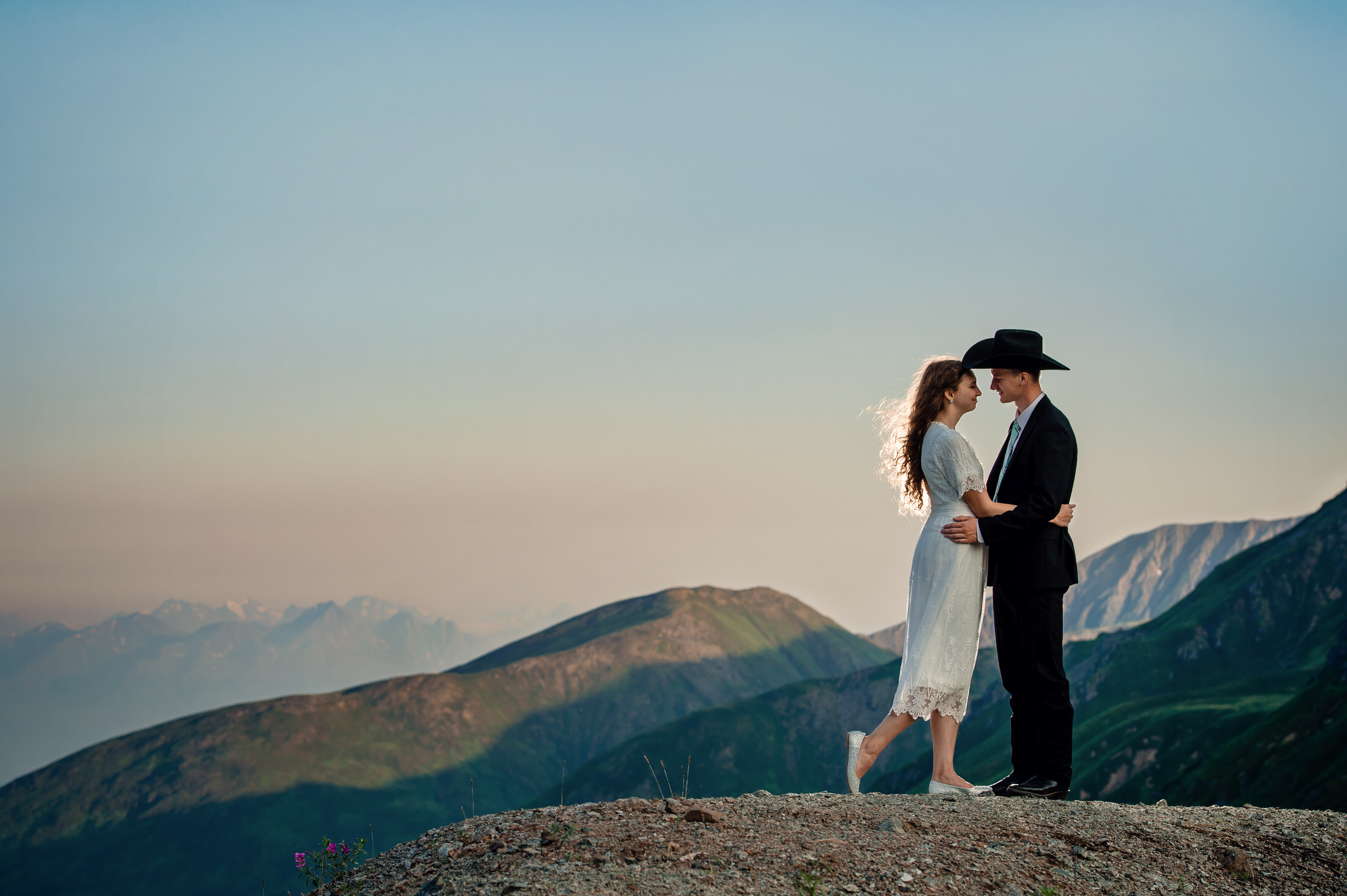 Hatcher pass wedding portraits