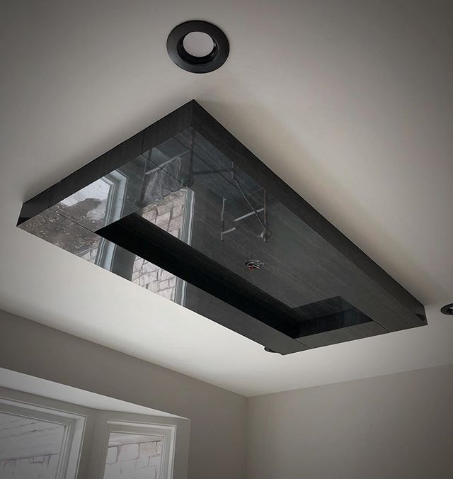 We like large format tile 🤷🏼‍♂️ These ceiling details are 🔥 #integrity_construction_inc #supersettile #drthinpanel #contractor #builder #remodeler #largeformattiles #ceiling #tileceiling #minnesotatileandstone #keepcraftalive #minnesota #twincities