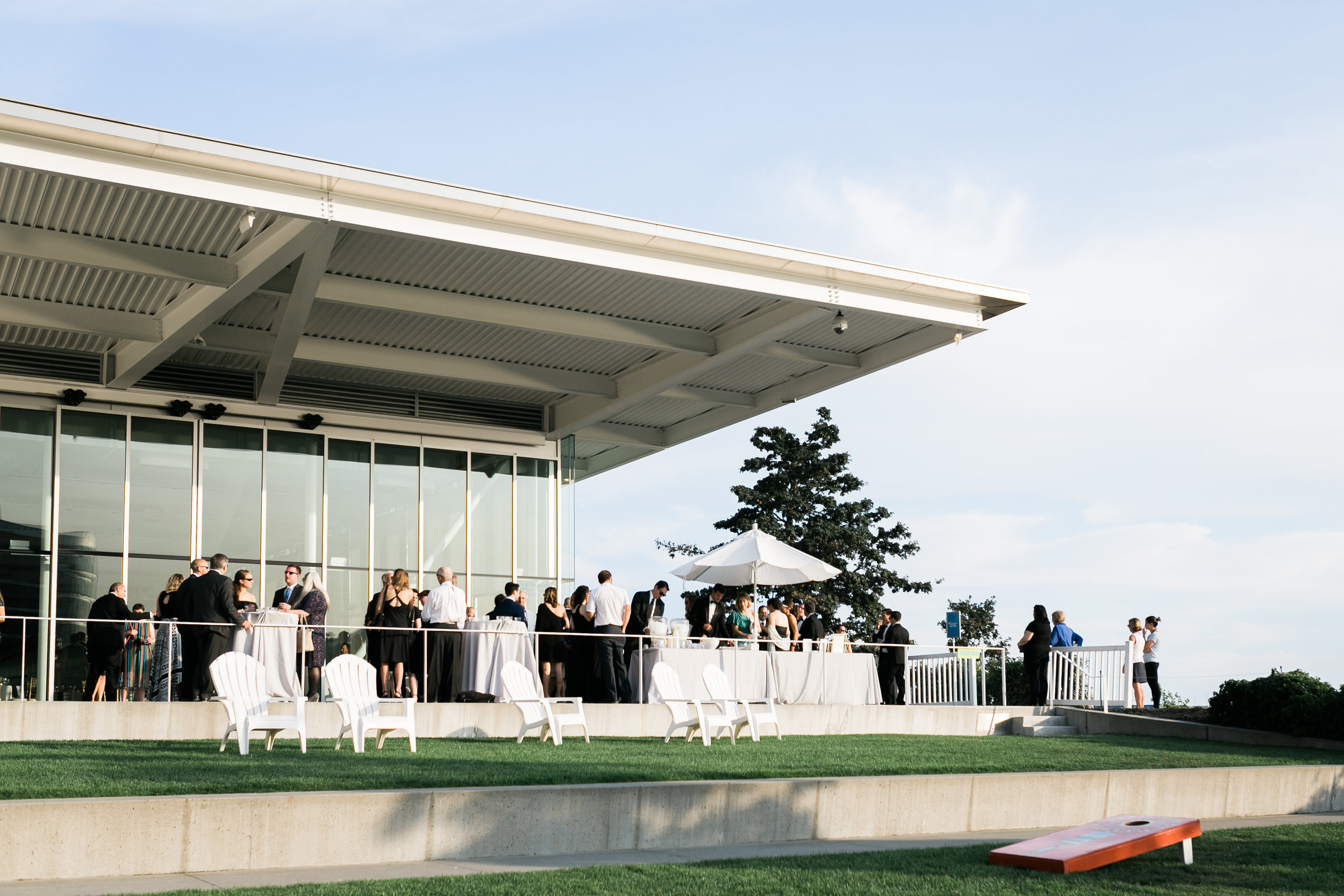 seattle-wedding-olympic sculpture park-outdoors-northwest-modern