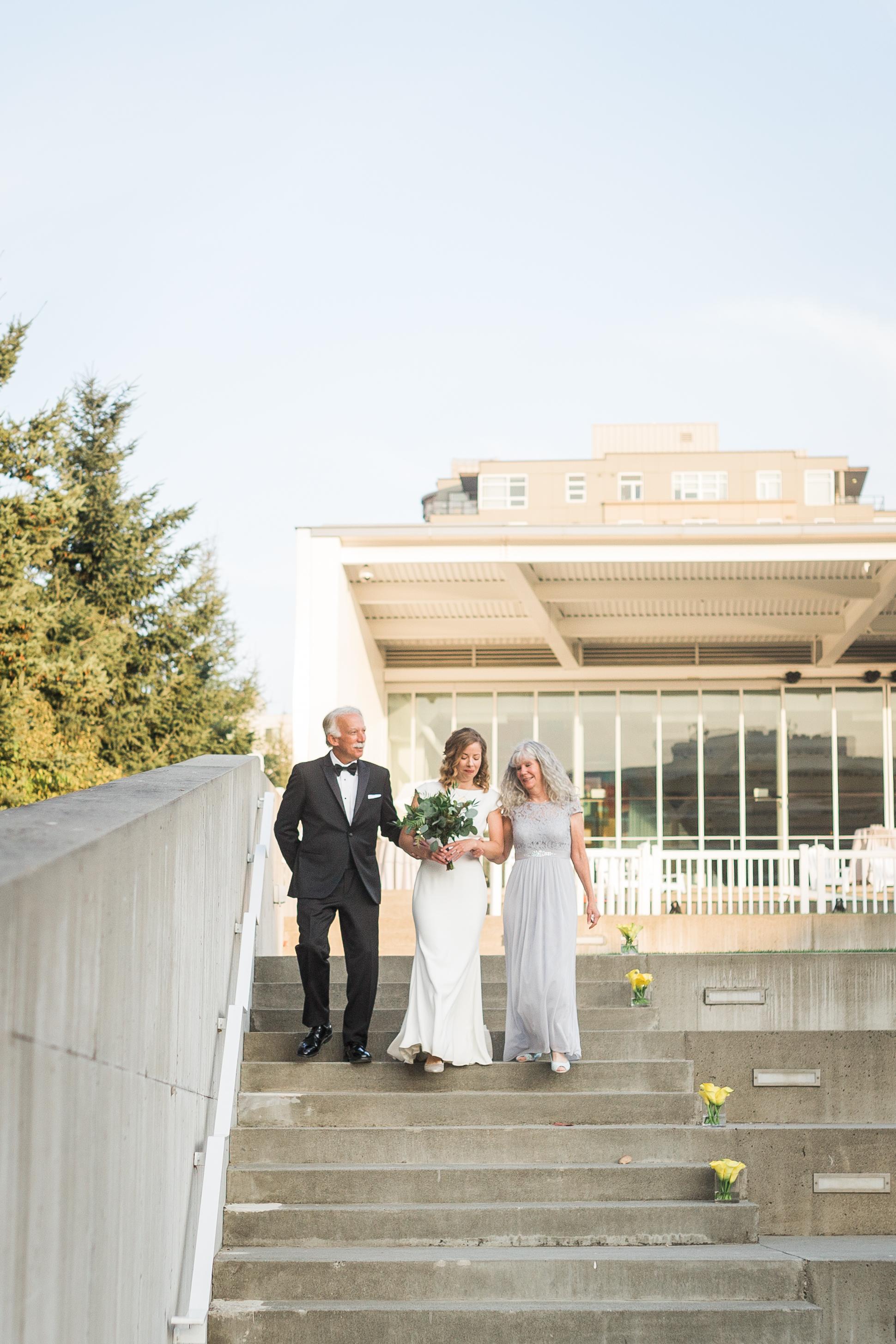 seattle-wedding-bridal-olympic sculpture park-modern