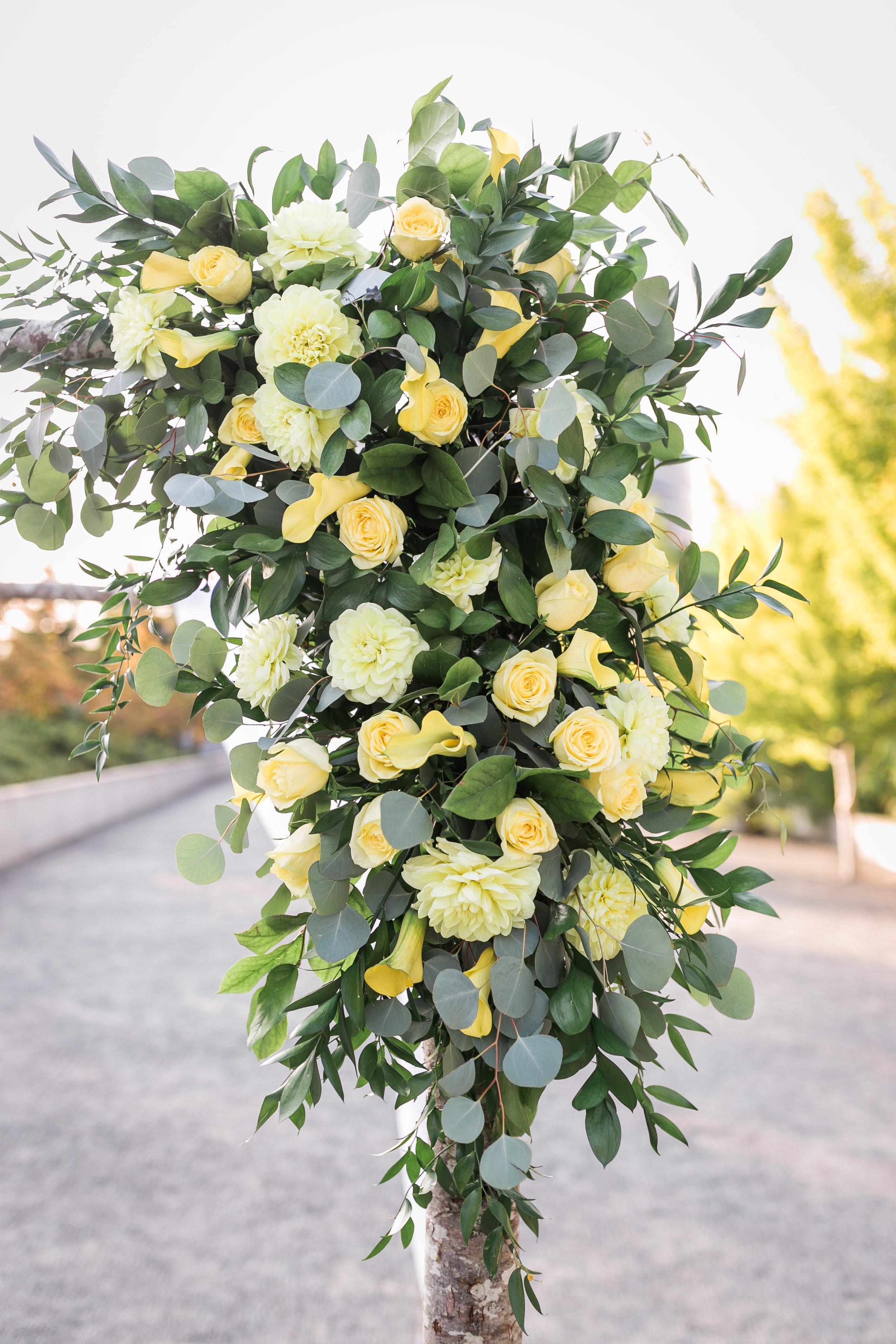 seattle-wedding-chuppah-floral-greenery-yellow-modern-lush