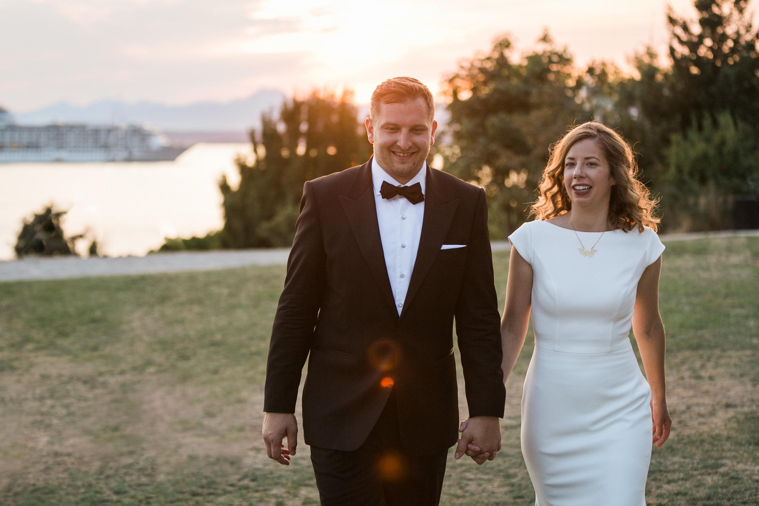 seattle-wedding-sunset-married-outdoors-northwest-couple-bride-groom-romantic