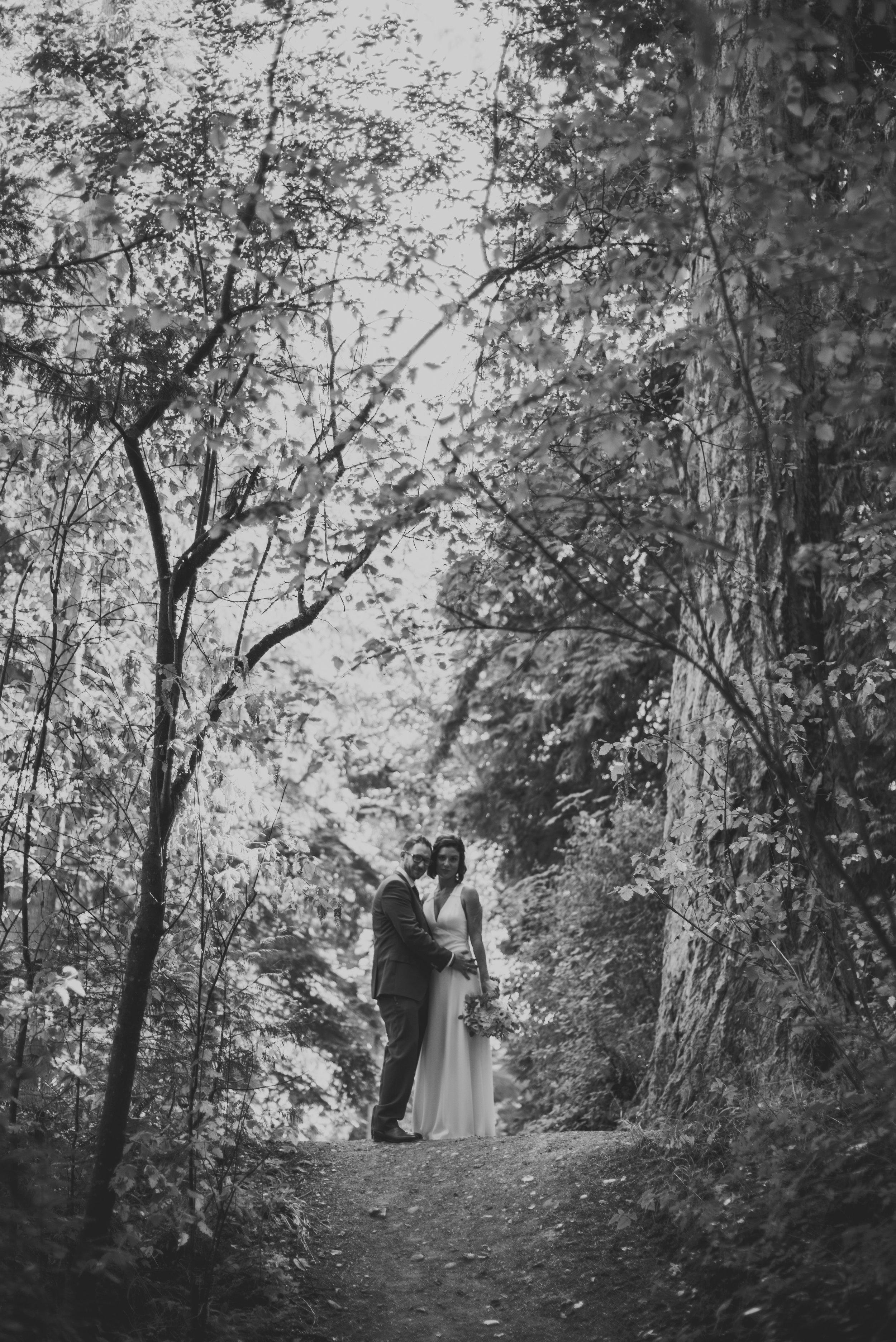 sequim-petrichor photo-elopement-desitination-pacific northwest-cross country-florist-washington-sublime stems-23.jpg