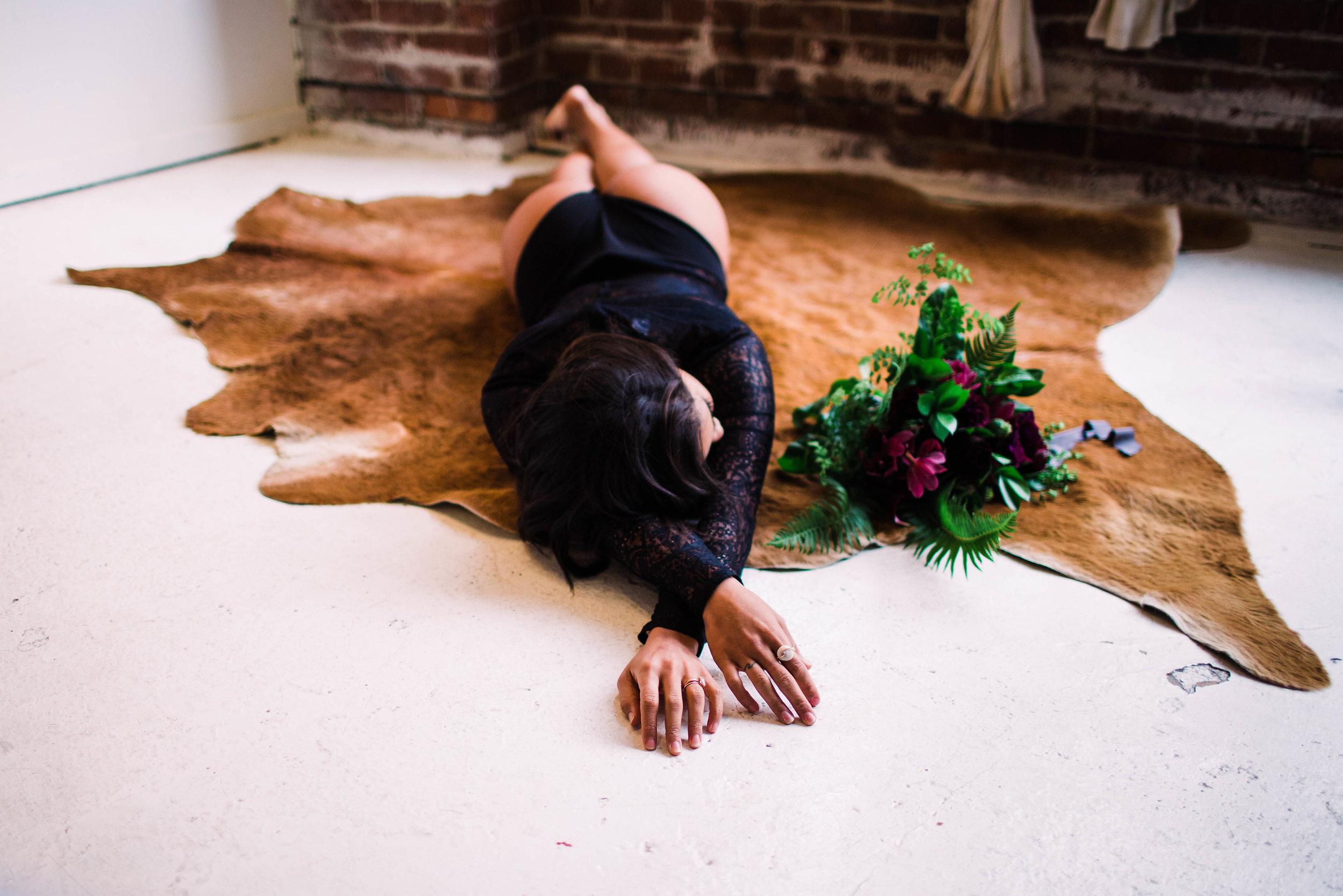 Sublime Stems | The Gathered Creatives | Seattle | Boudoir | Julia Kinnunen Photography