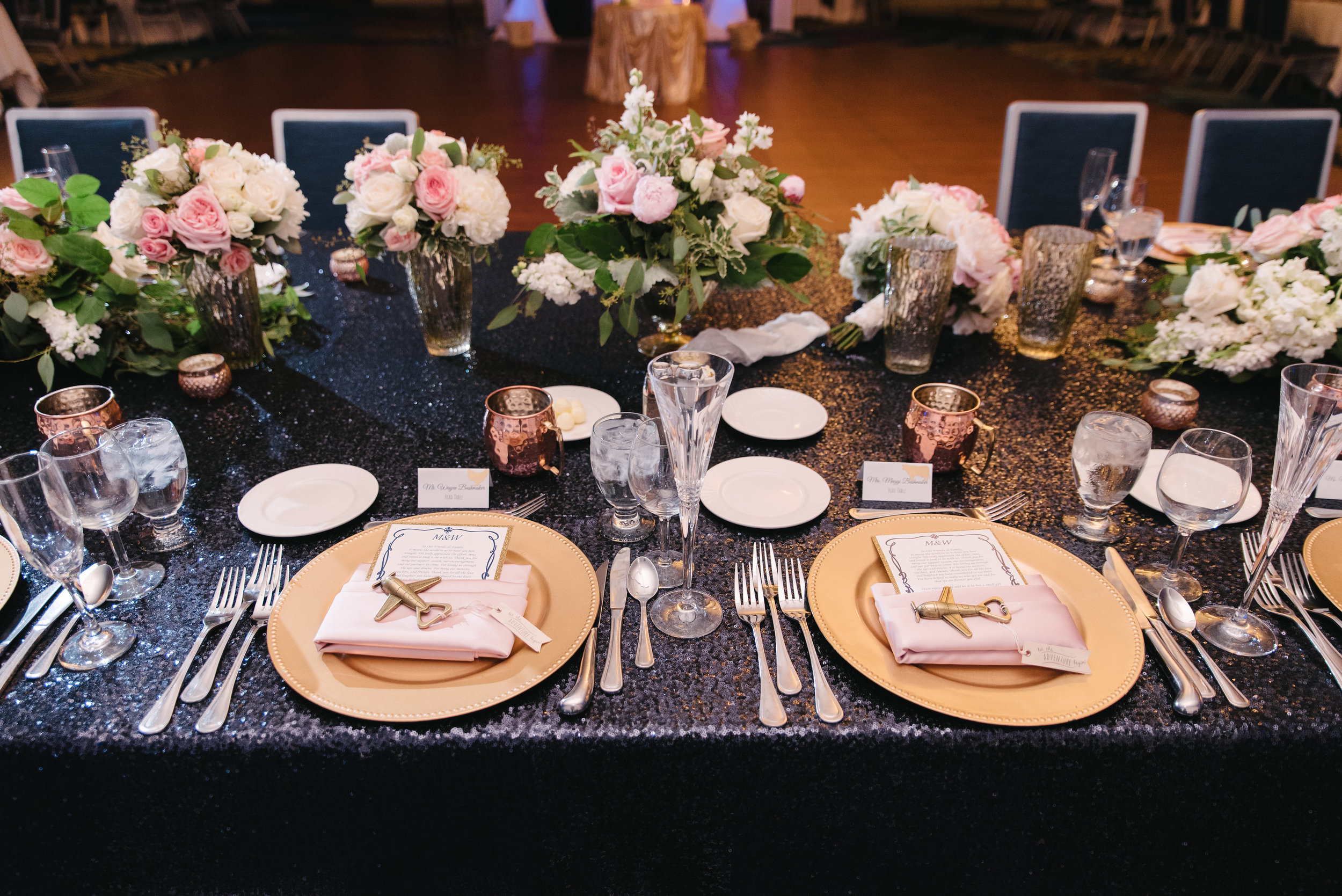 Photo credit: Ali Michelle Photography // Wedding Planning:   Graceful Events