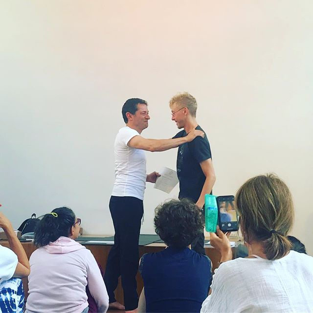 Kaiut Yoga could be a metaphor for life. It is both complex and simple. It is an exploration of the self to find and clear blockages. Today my friend Bonnie and I received a certificate of completion from Francisco Kaiut after completing a training module in Amsterdam. Six months ago today, I 'graduated' from an ashram outside Mysore, India. I wrote a blog post: http://blog.jameson.live  @kaiutyoga #yoga #bodywisdom #progress #selfawareness #selfcompassion #bodyandmind