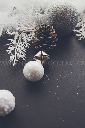 haute-chocolate-styled-holiday-stock-photos-mockups-29.jpg