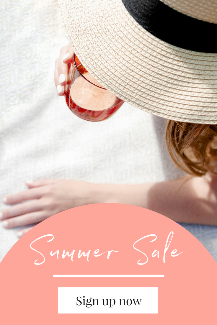 20 Graphics Ideas for your Summer Promotions from Haute Stock. Lifestyle Stock Photography for women business owners, bloggers and creative entrepreneurs.