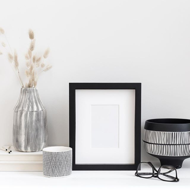 Wishing you a cozy weekend! Doesn't this frame mockup look like it could be on your shelf with a copy of your favorite print inside? ⠀ ⠀ You'll find a gorgeous selection of frame, paper and stationery mockups in the Haute Stock Library. ⠀ ⠀ If you love the cozy lived-in vibes of this image, then our Back to Basics Collection is what you'll want to search for! 🖤⠀ ⠀ #hautestock #hautestockco #styledstockphotography #inspiremyinstagram #brandstylist #smallbiz #savvybusinessowner #theeverygirl #glitterguide #momtog #etsyseller #beingboss #ladyboss #thatsdarling #communityovercompetition #risingtidesociety #socialmediamarketing #digitalmarketing #designisinthedetails #designerlife #virtualassistant #tgif #friyay #darlingweekend #mompreneur #lifestyleblogger #butfirstcoffee #workfromwherever #womeninbiz #itstheweekend