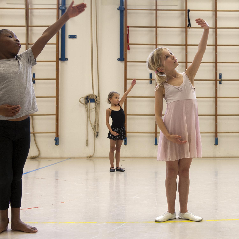 Ik ben Berber, 8 jaar. Op woensdagmiddag ga ik naar ballet.