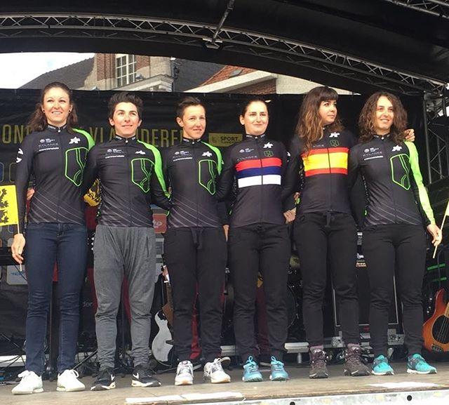 Team presentation for @rondevanvlaanderenofficial! Tomorrow is race day! #bringthegreen 