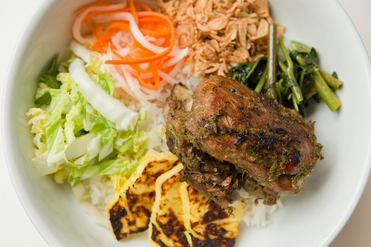 Pineapple Curry Bowl w/Pork Shortrib