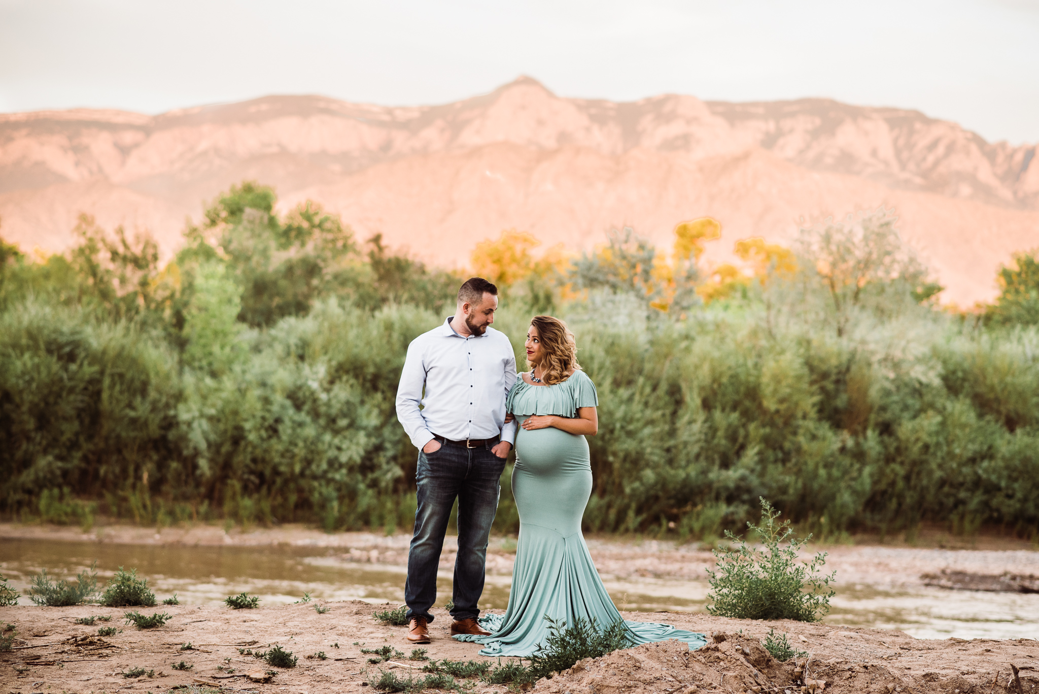 Albuquerque maternity photographer-44.jpg
