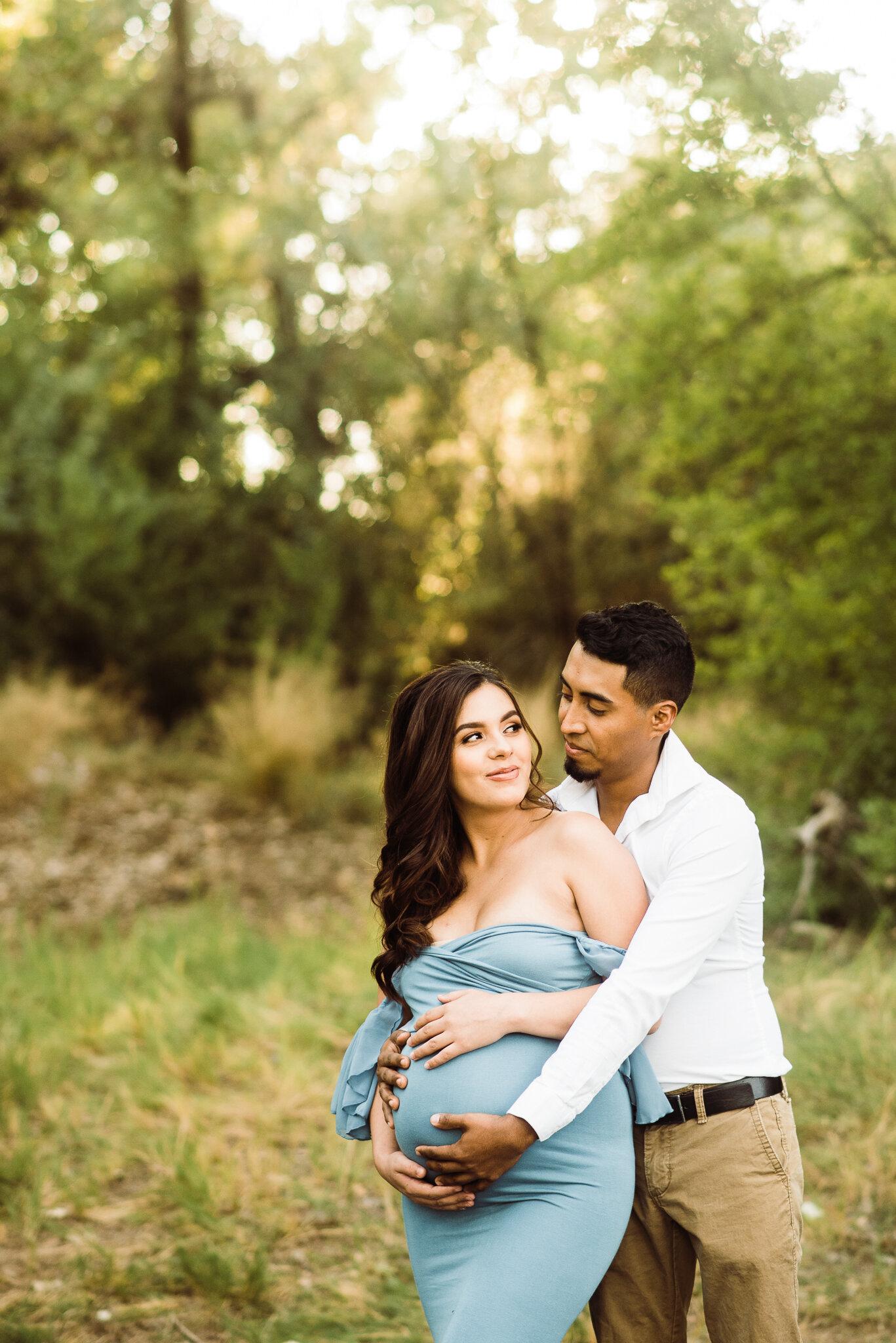 Albuquerque maternity photographer-3.jpg