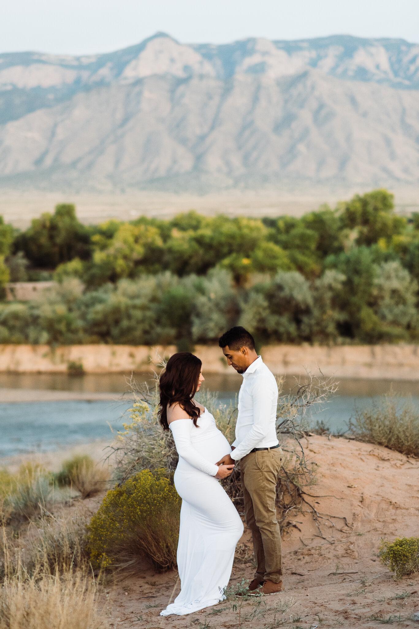 Albuquerque maternity photographer-44.jpg