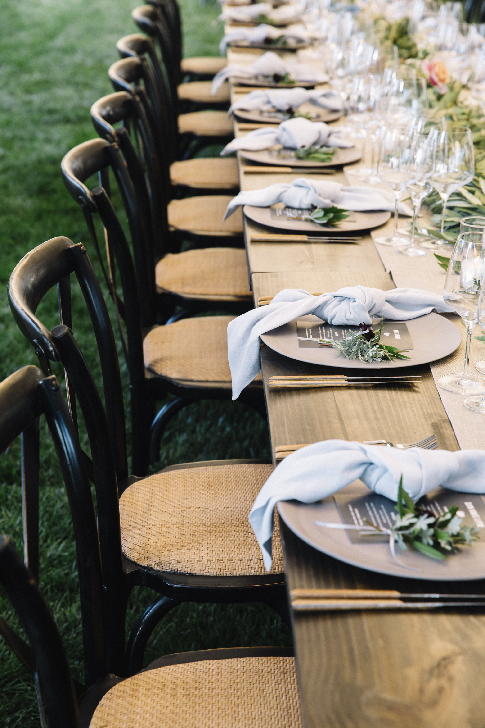 Floral place settings by Venn Floral | Photo by Lucille Lawrence