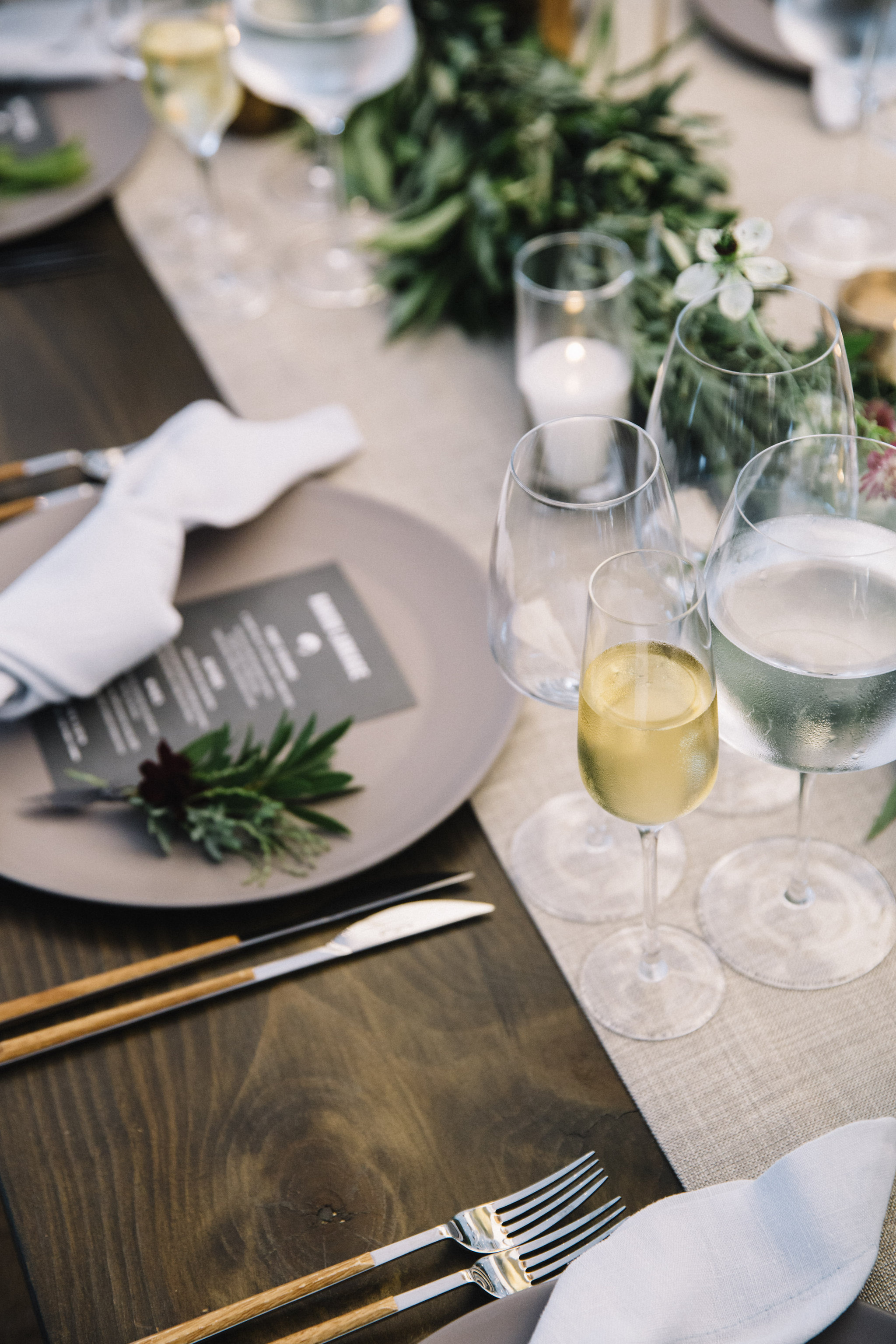 Floral place setting and garland by Venn Floral | Photo by Lucille Lawrence