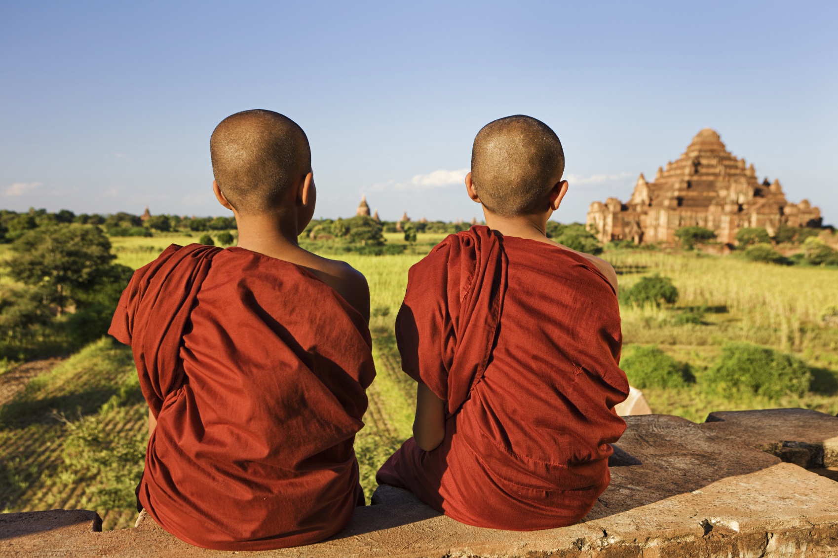 Bagan_Landscape_People_two_young_Monks_iStock_000019720863Medium.jpg