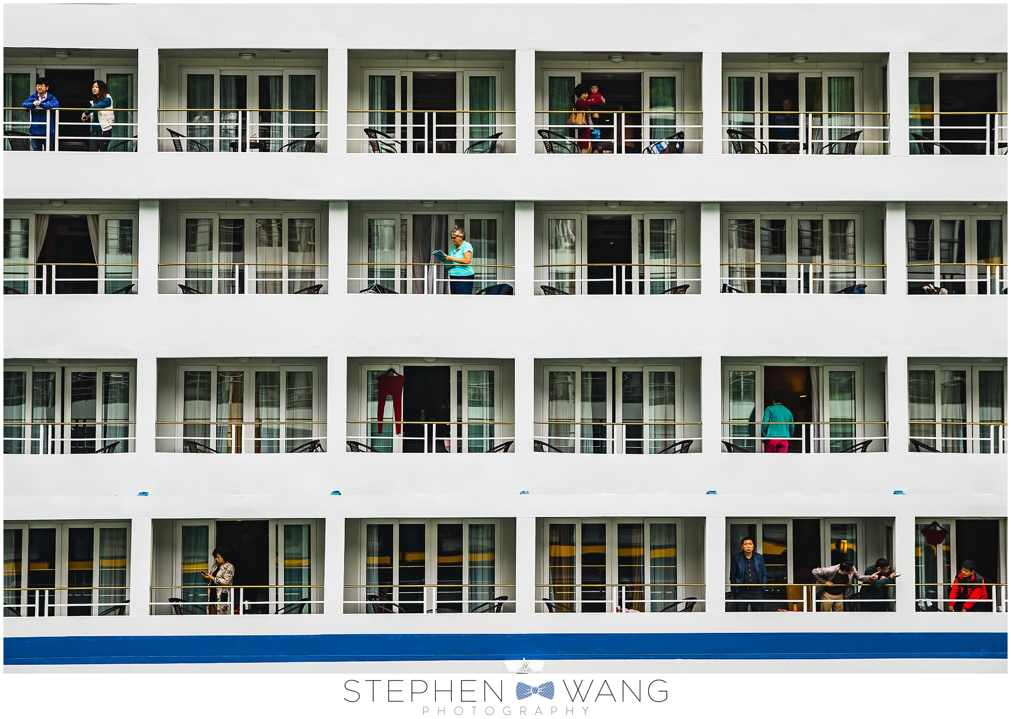 Cruise guests on a passing ship.  You know I love that symmetry!
