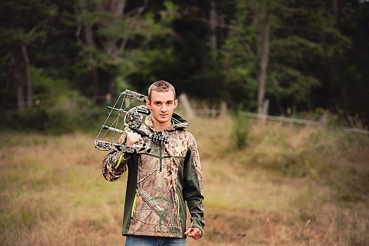 Kitsap-Western-WA-Senior-Portraits-Seabeck-archery-sports.jpg