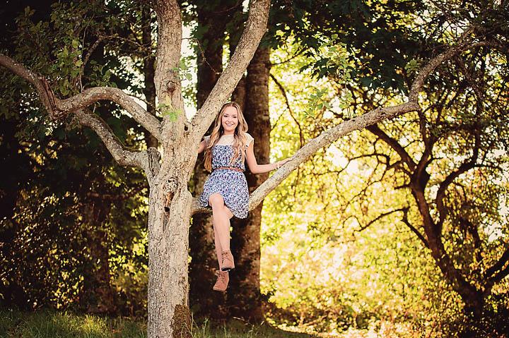 Outdoor-Kitsap-Western-WA-Senior-Portraits-Photography-Klahowya_1.jpg