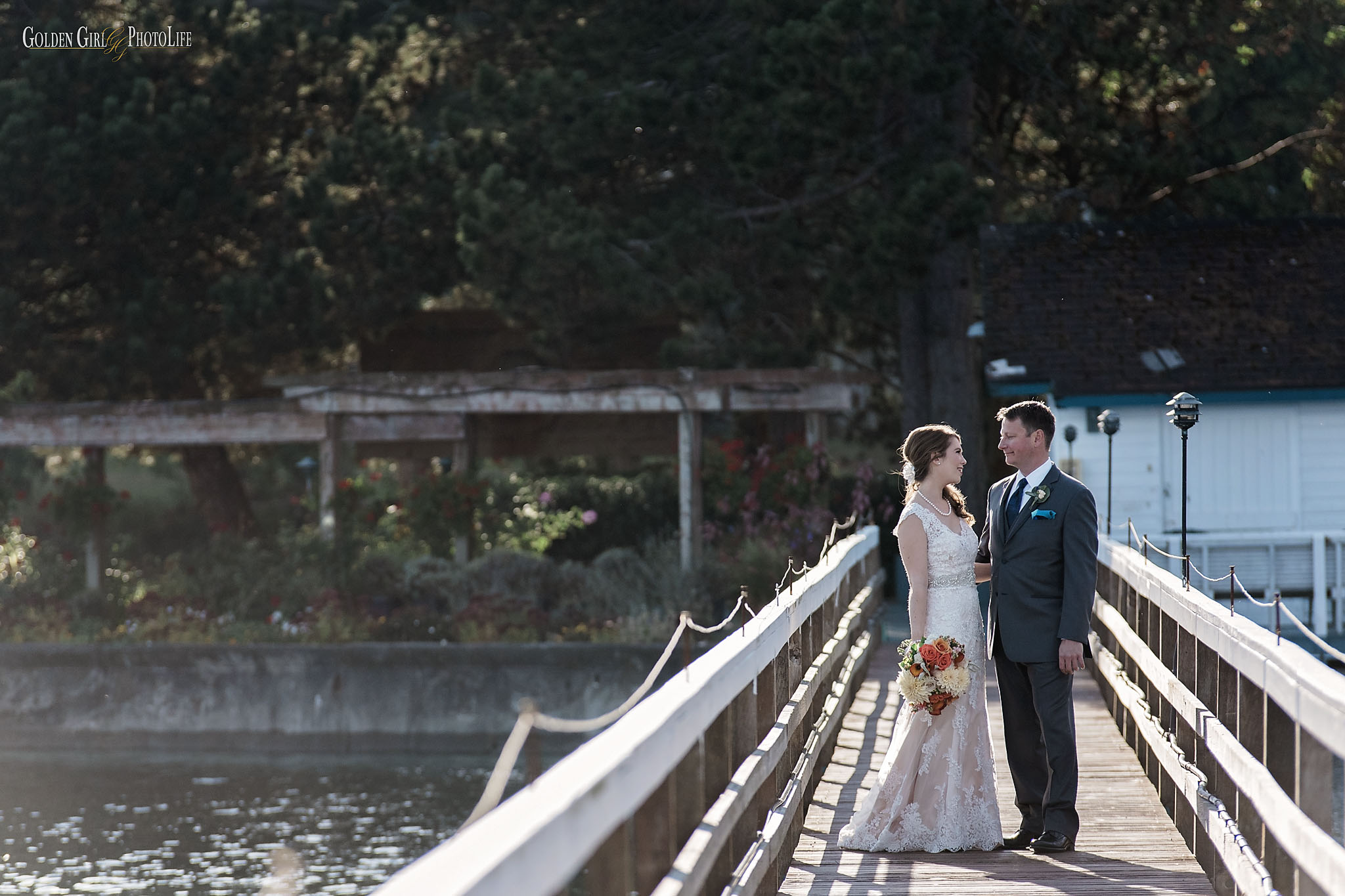 Kiana Lodge Bainbridge Island Poulsbo waterfront wedding autumn