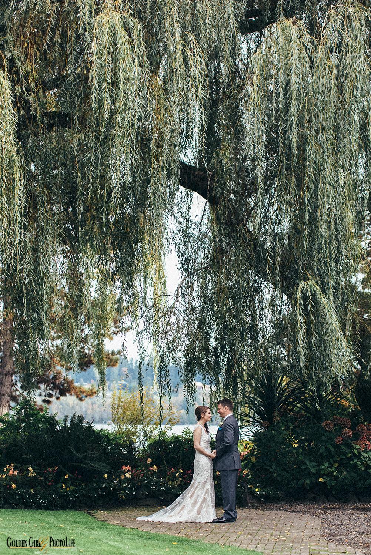 Kiana Lodge Poulsbo WA wedding first look