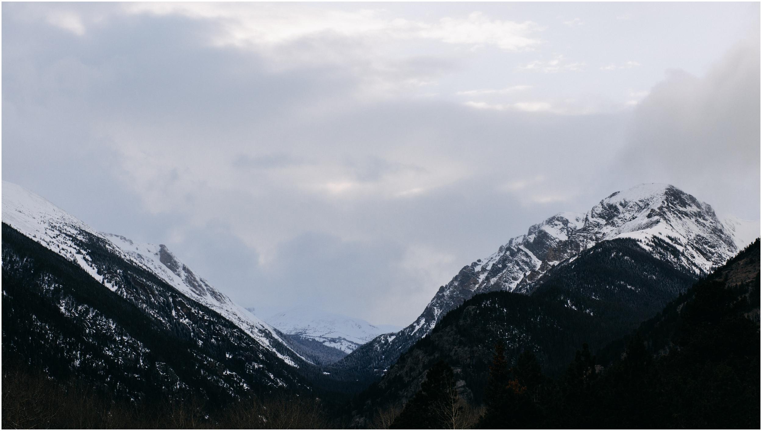 rocky-mountain-national-park-engagement-session-colorado-wedding-photographer-endo-valley__0112.jpg