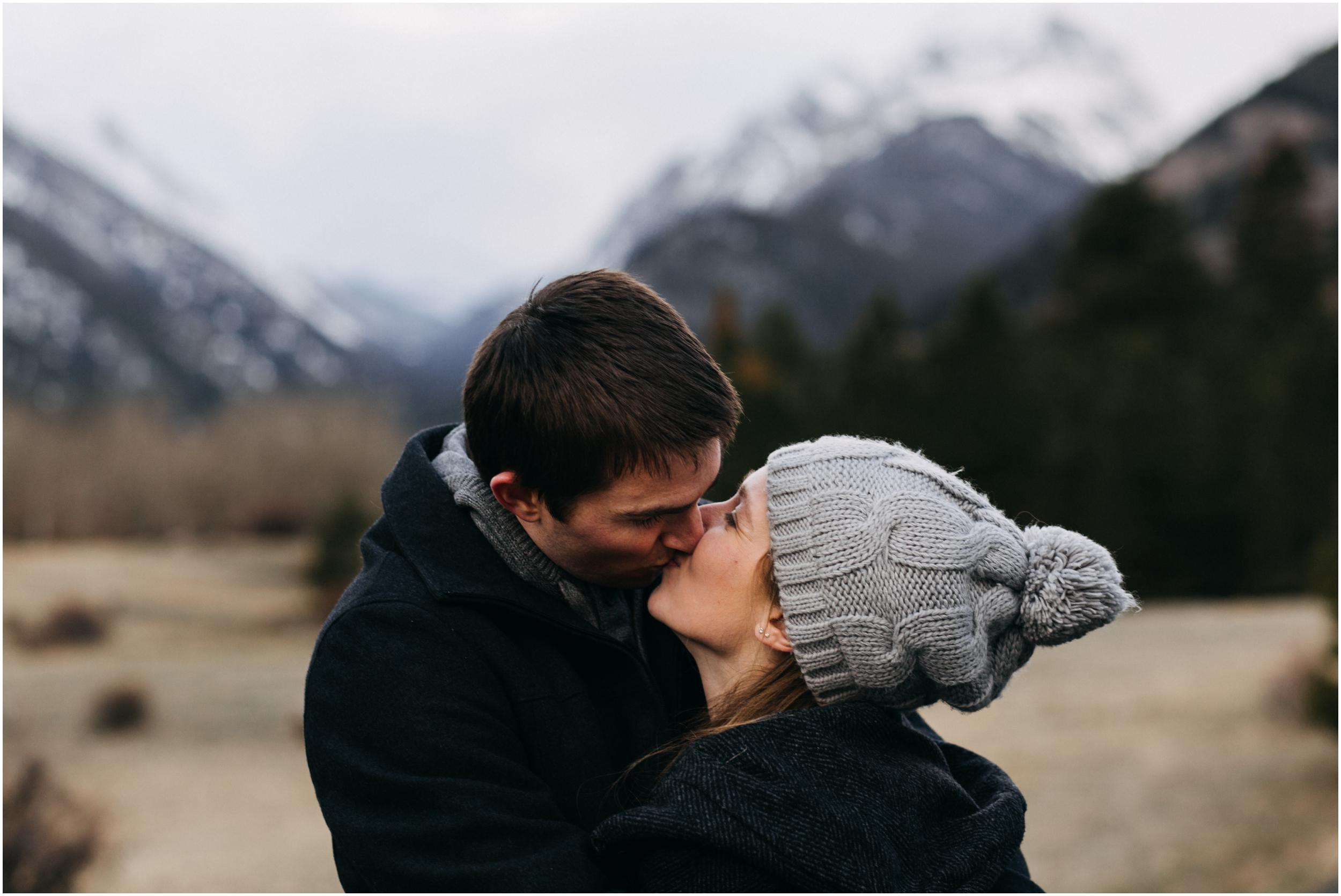rocky-mountain-national-park-engagement-session-colorado-wedding-photographer-endo-valley__0111.jpg