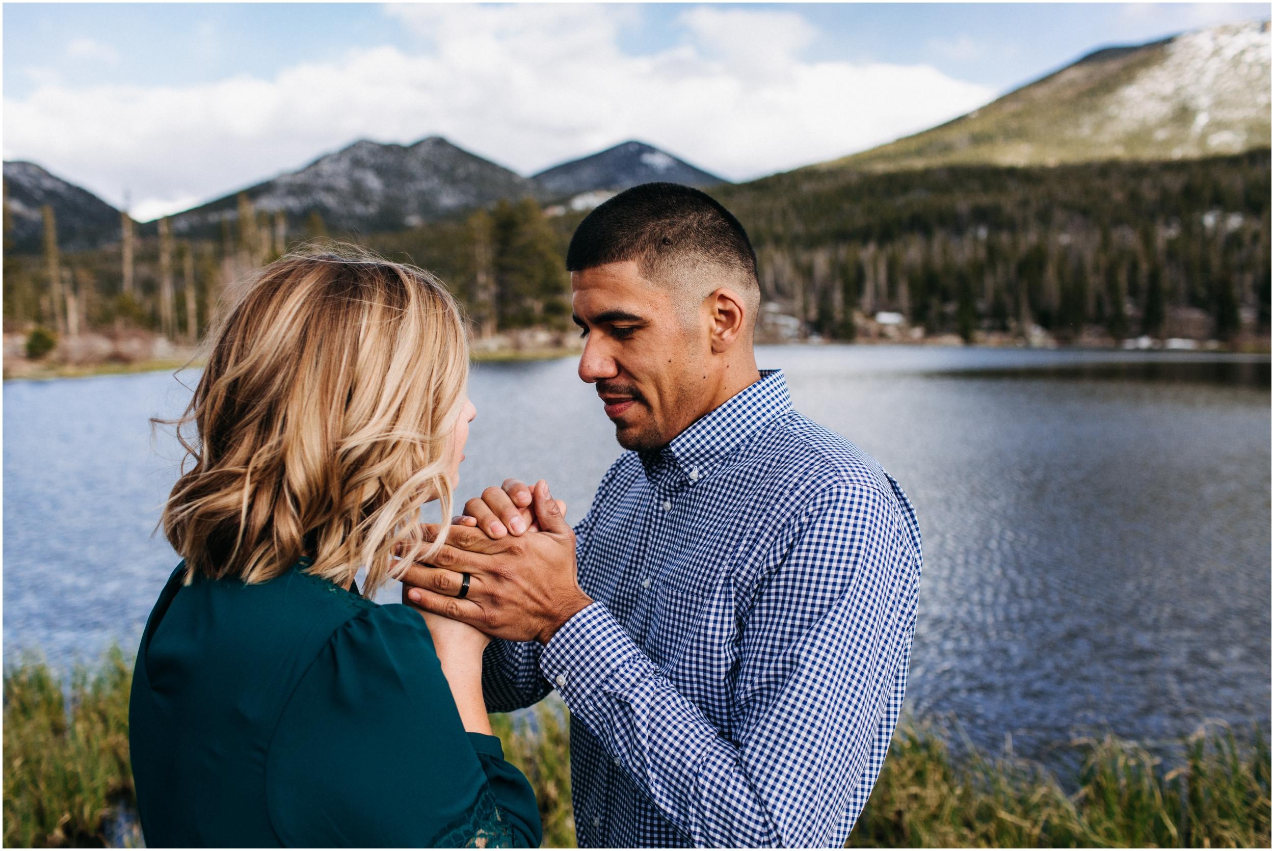 rocky-mountain-national-park-elopement-sprague-lake-colorado-adventure-wedding-photographer_taylor-powers_22.jpg