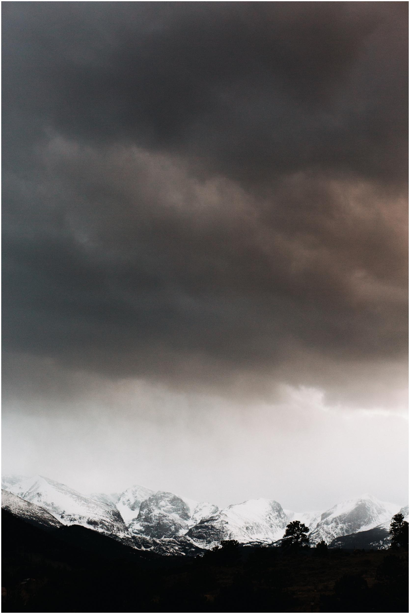 rocky-mountain-national-park-elopement-sprague-lake-colorado-adventure-wedding-photographer_taylor-powers_197.jpg