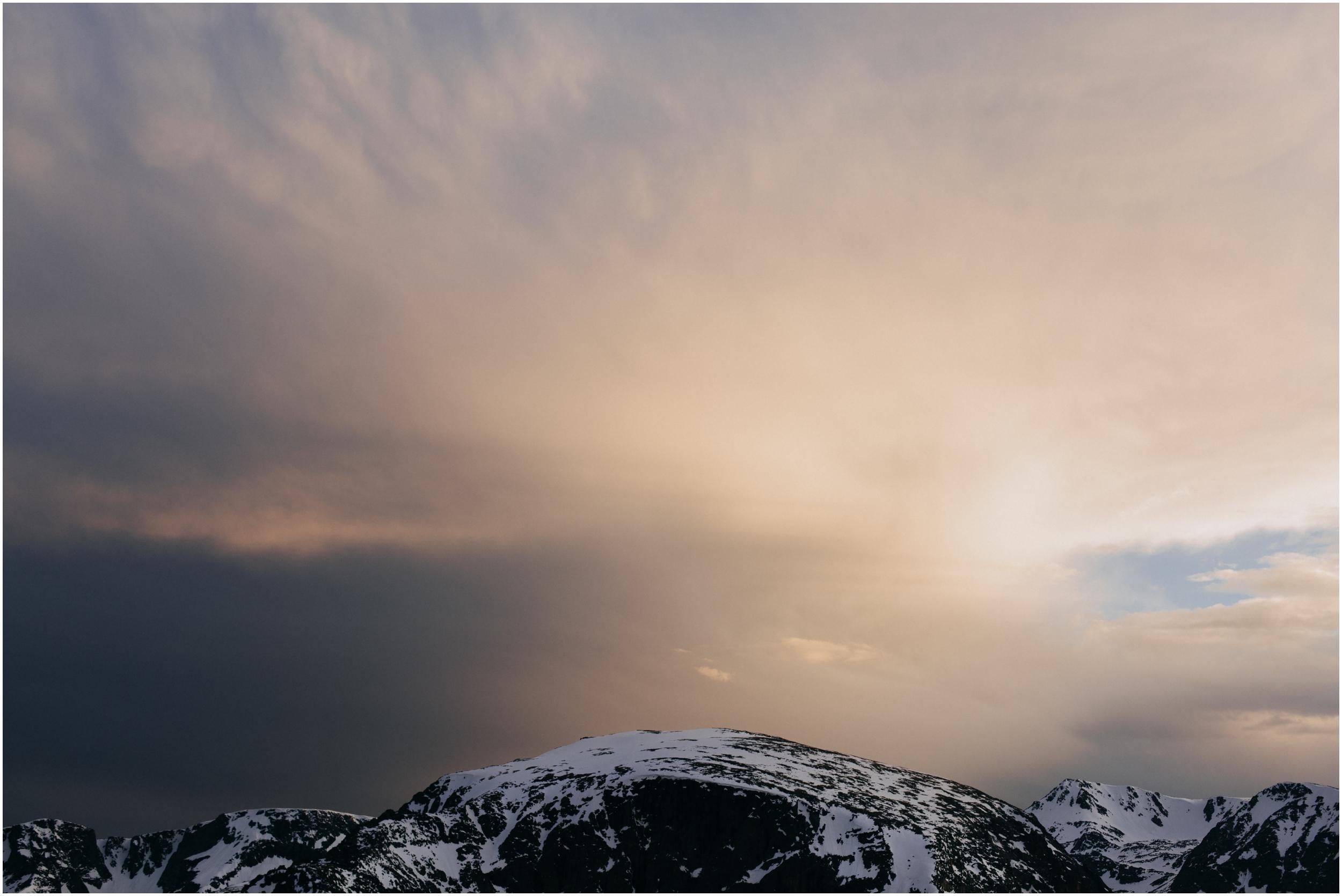 Jessica_Daniel_Colorado_adventure_engagement_session_rocky_mountain_national_park_trail_ridge_road__0110.jpg