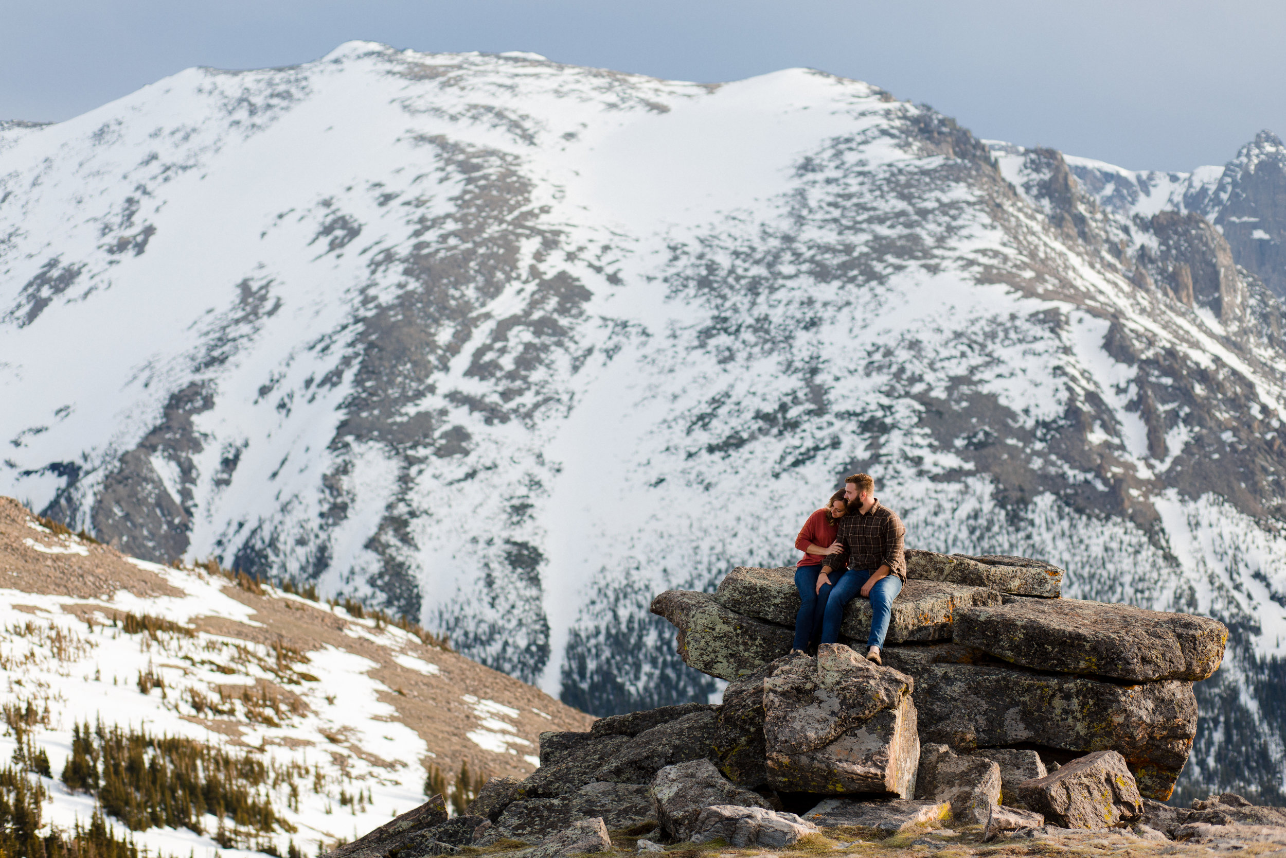 JESSICA + DANIEL | ADVENTURE ENGAGEMENT SESSION IN ROCKY MOUNTAIN NATIONAL PARK
