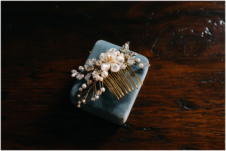 Courtney+Jamie_modern_vail_village_wedding_colorado_taylor_powers_0005.jpg