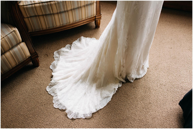 Courtney+Jamie_modern_vail_village_wedding_colorado_taylor_powers_0040.jpg