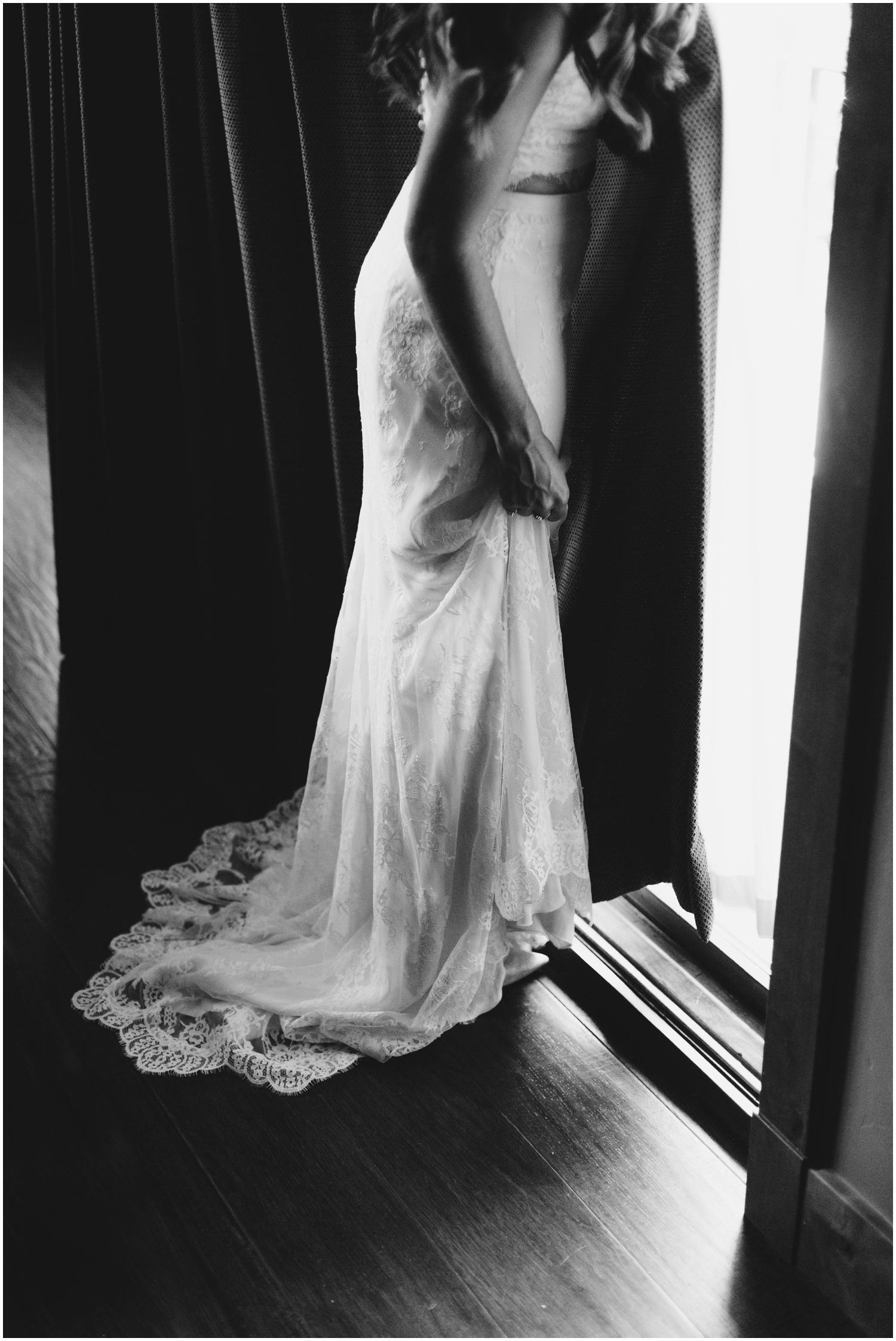 Courtney+Jamie_modern_vail_village_wedding_colorado_taylor_powers_0047.jpg