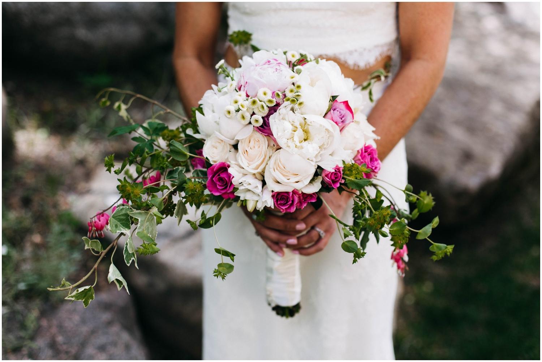 Courtney+Jamie_modern_vail_village_wedding_colorado_taylor_powers_0049.jpg