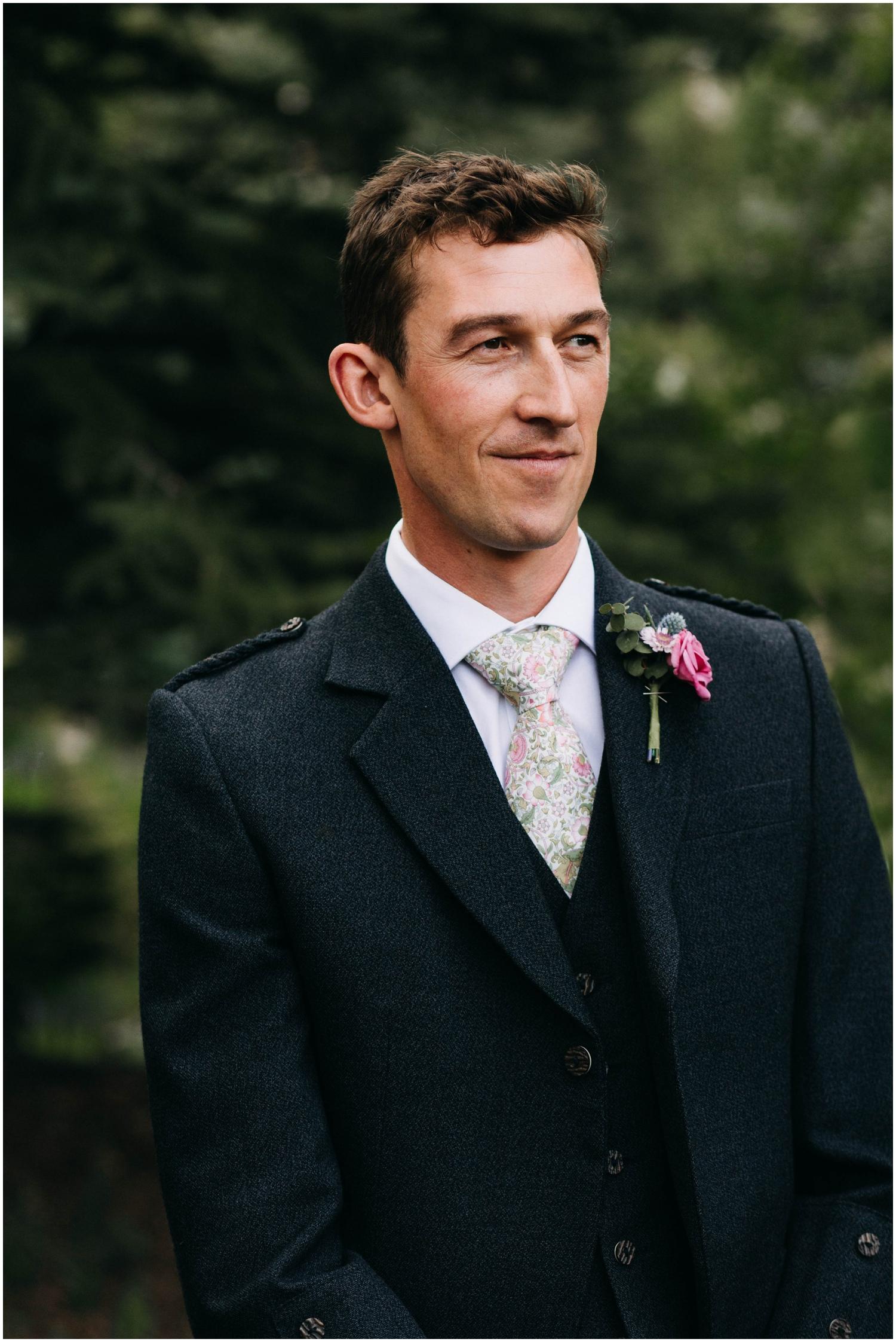 Courtney+Jamie_modern_vail_village_wedding_colorado_taylor_powers_0060.jpg