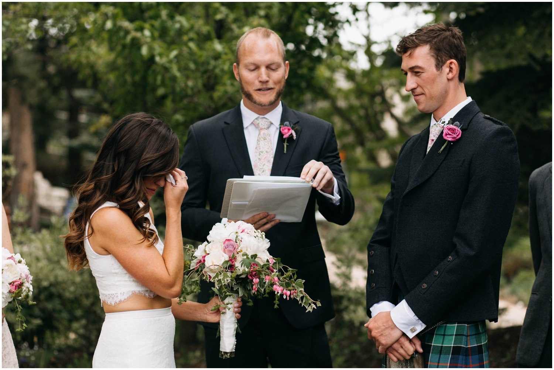 Courtney+Jamie_modern_vail_village_wedding_colorado_taylor_powers_0072.jpg